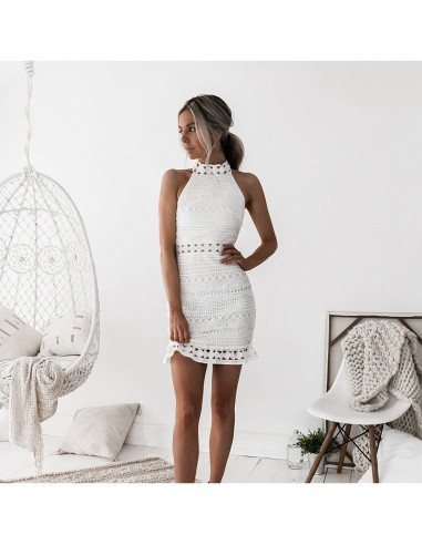 White lace sleeveless dress