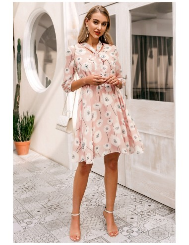 Pale pink dress and flowers